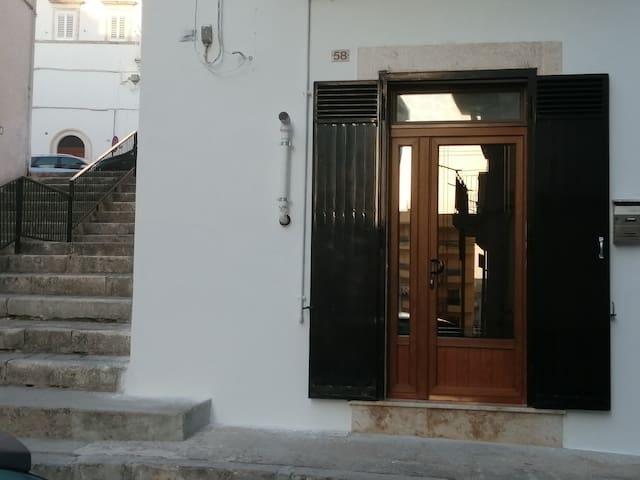 Ingresso esterno con accesso diretto in casa nino