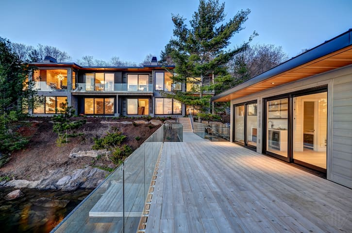 Driftwood - Modern Muskoka Luxury on Lake Joseph