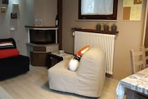 Dettaglio camino cucina / fire place in the kitchen