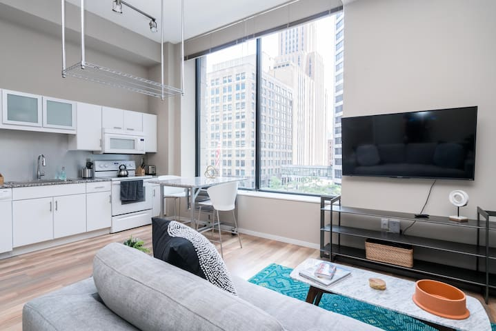 High-End Condo in the Heart of Minneapolis by Mint House