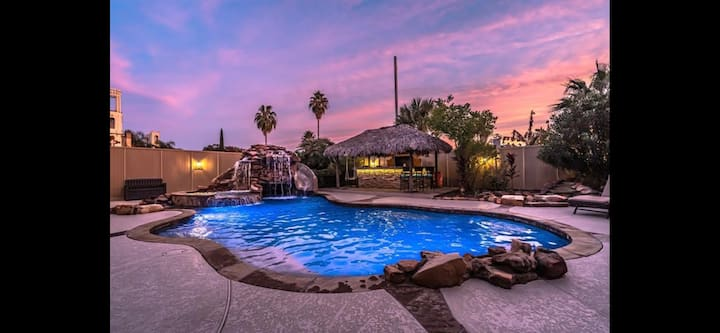 Ultimate Galleria Poolhouse Resort - 6 BRs