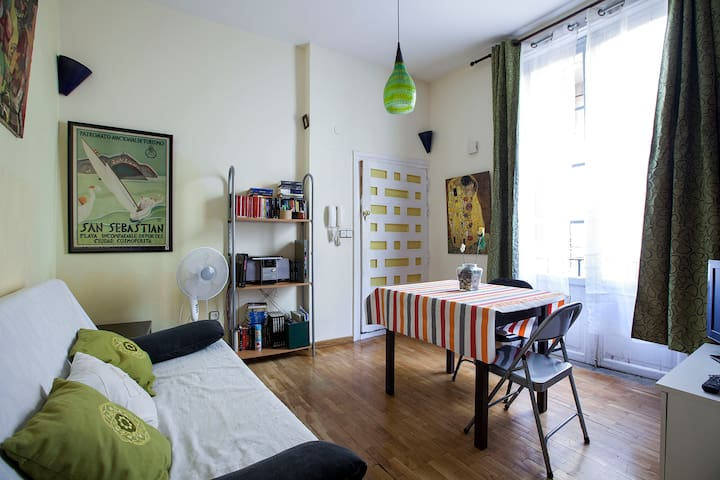 FLAT TO RENT IN THE HISTORICAL CENTRE MADRID - Madrid - Apartment