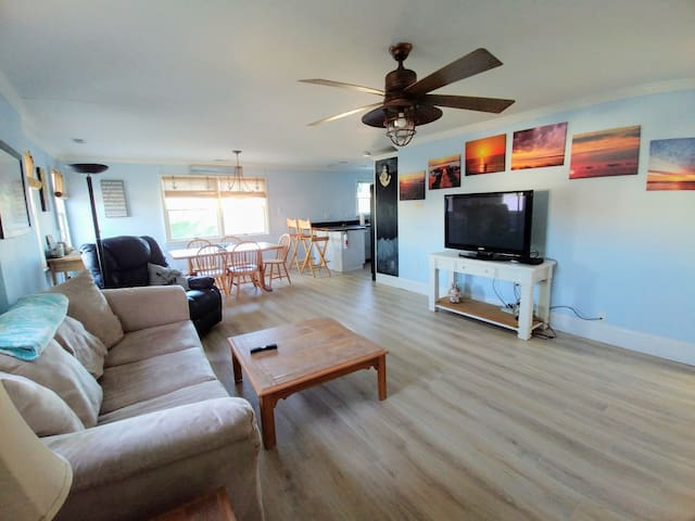 Spacious Beach House Duplex Unit