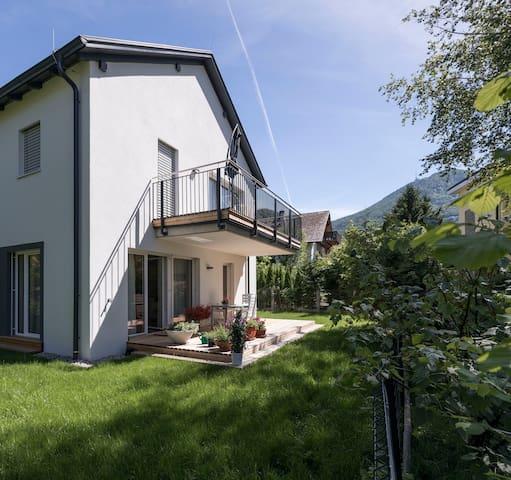 Barrierfree 3-room-flat TOP 2 with garden