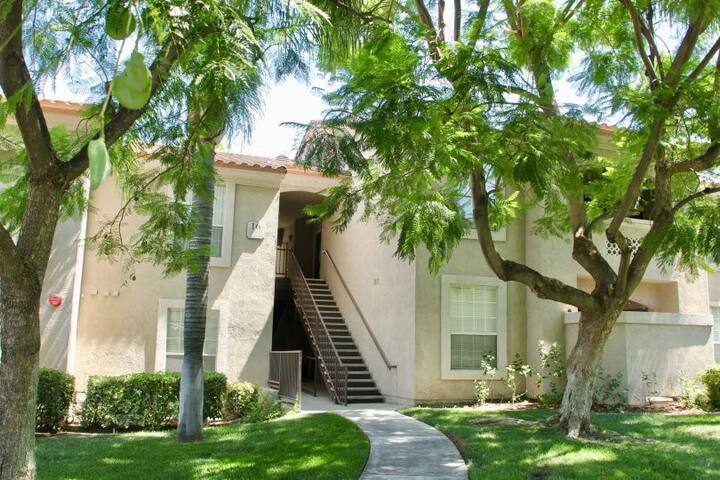 Canyon Crest: 1 bedroom, private bath
