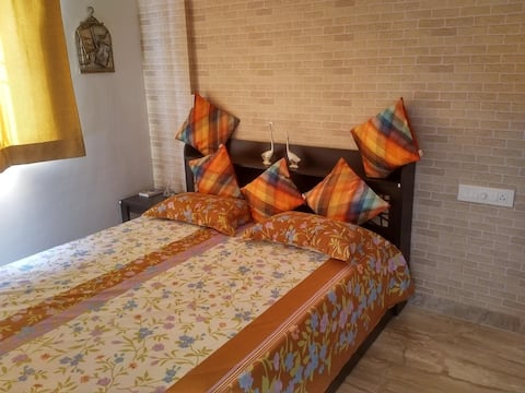 Bright Heaven For Couple -Short Stays (1 day or 2)
