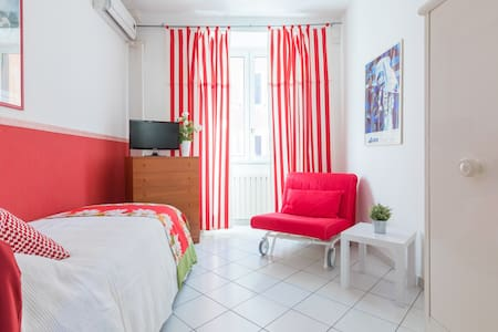 B&B Piazza Fratti - single Papavero
