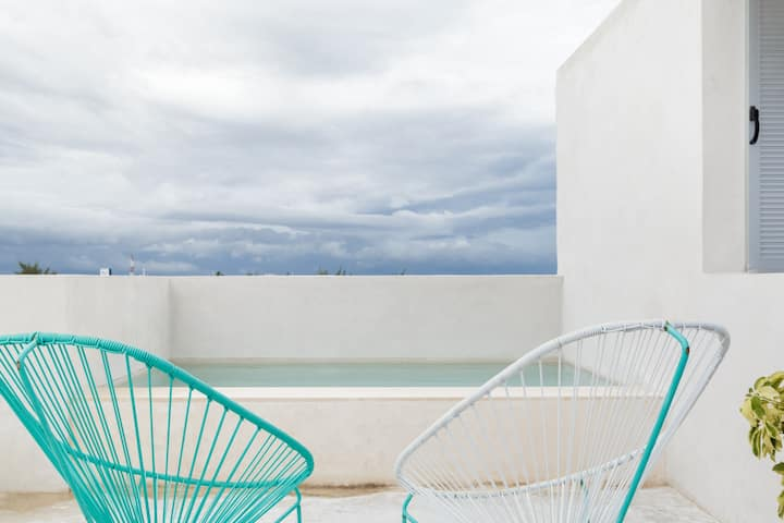 Award winning Caribbean design apartment close to Isla Mujeres ferry