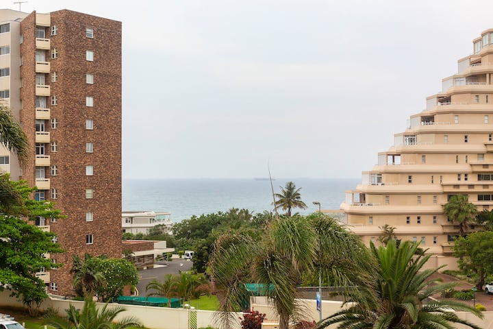 34 The Shades - Self Catering Ocean View Apartment