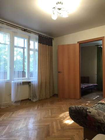Уютная 2-х комн. квартира в центре. Метро рядом.