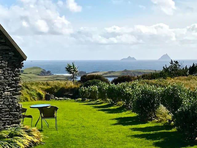 Romantic Valentia Island Cottage - Skelligs Views