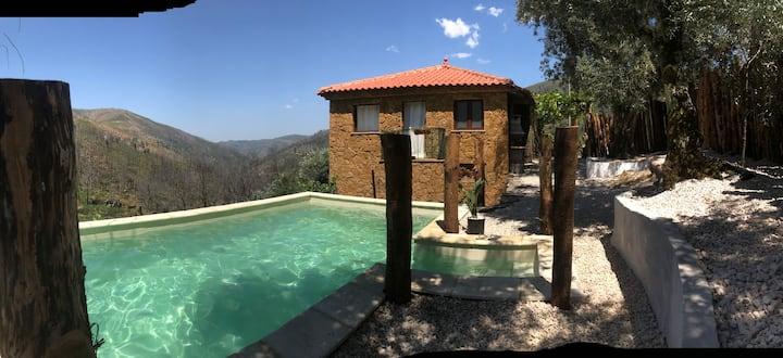 Casa do Açor mountain house pool oasis