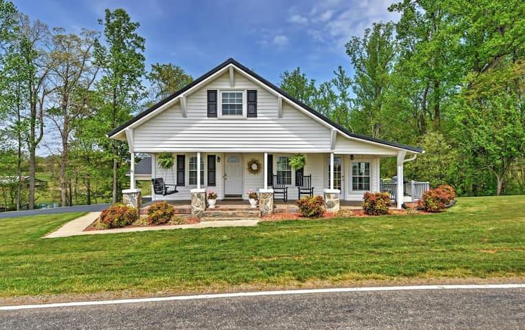 Serene 2BR Dobson Farmhouse - Dobson - House