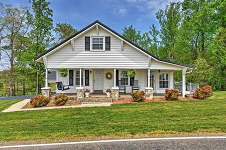 Serene 2BR Dobson Farmhouse - Huis