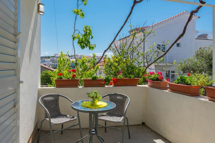 Overview Double Room with Terrace and Garden View