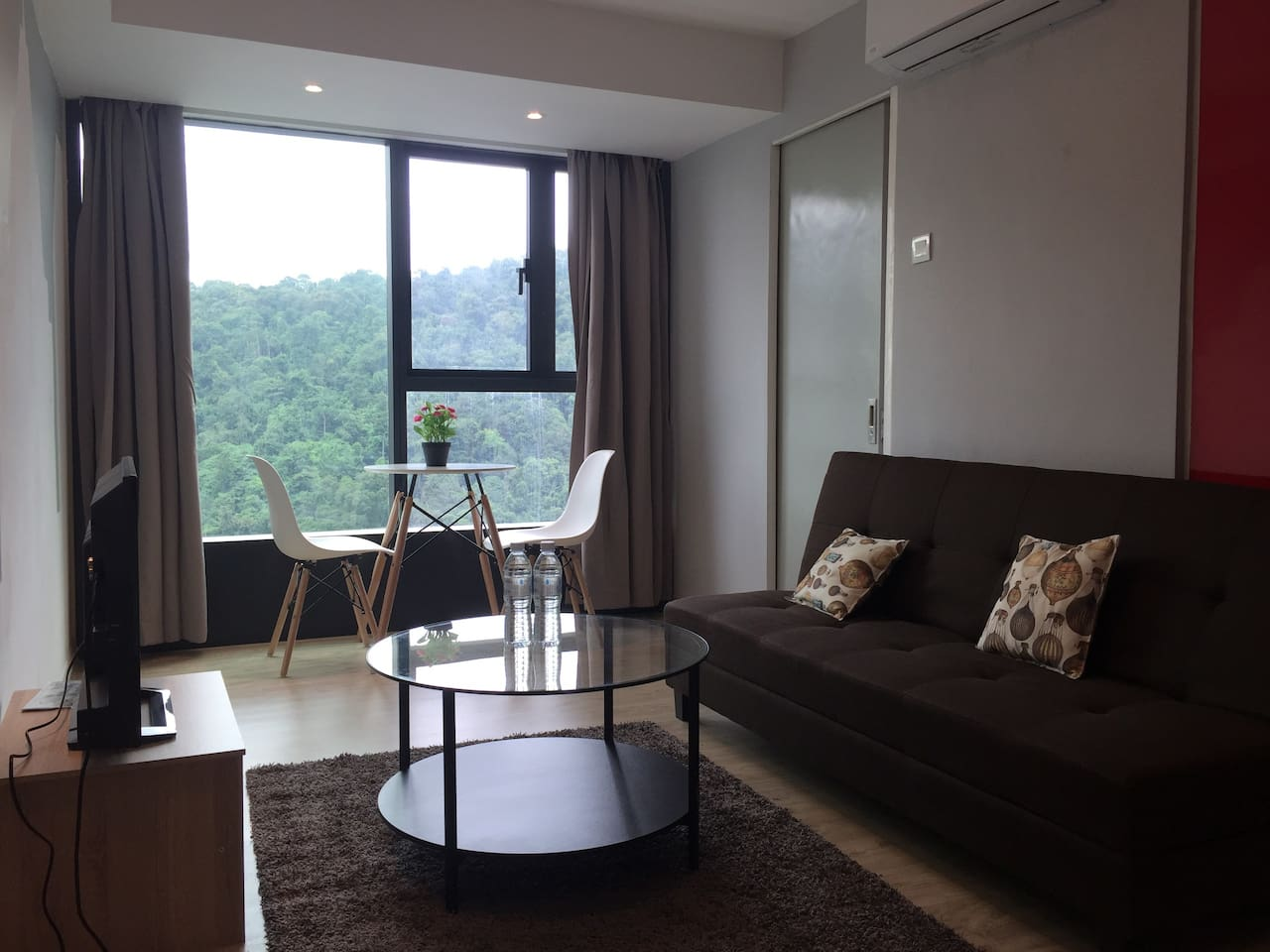 Spacious living room overlooking vast greenery. Inspirations are made here ....