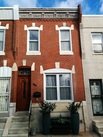 South Philly Cozy BR w Full-Size Bed - Philadelphia - Huis