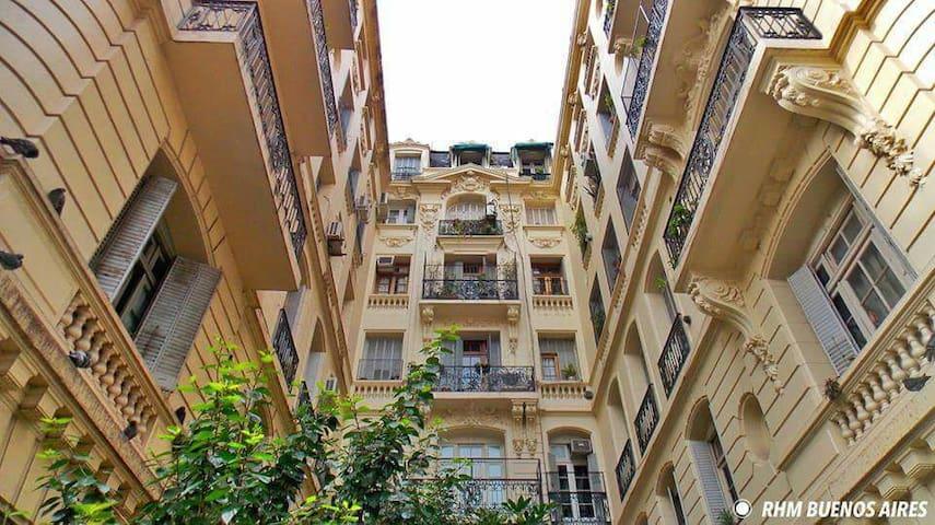 Encantador cuarto en casa francesa! - Buenos Aires - Daire