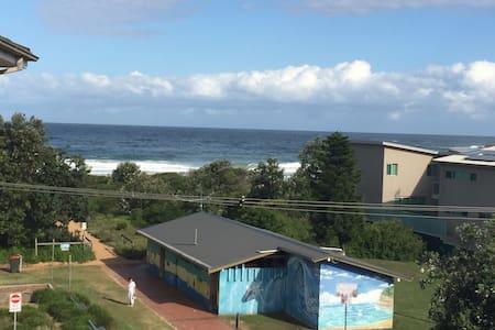 Winter surf! - Avoca Beach - Apartment
