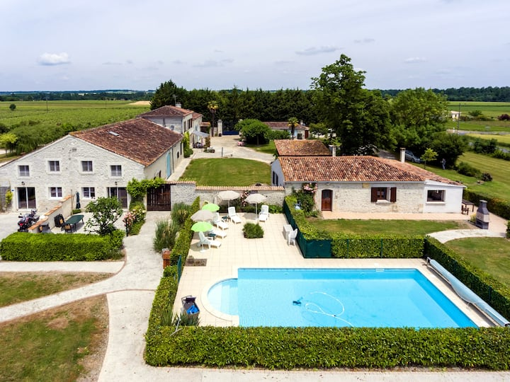Le Vignoble, appartement au calme, avec piscine