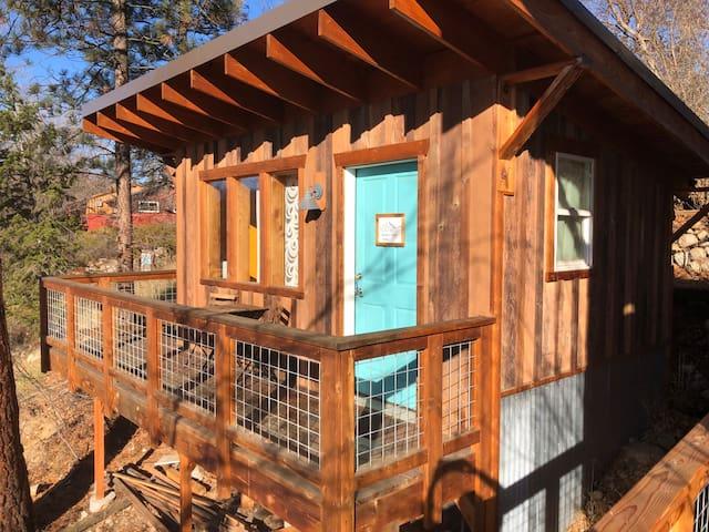 Gardner View Cabin- Dog Friendly!