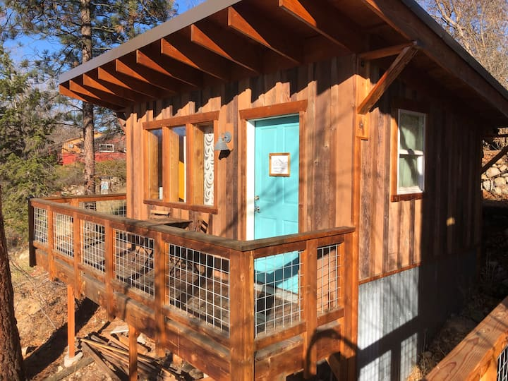 Gardner View Cabin- Dog Friendly!