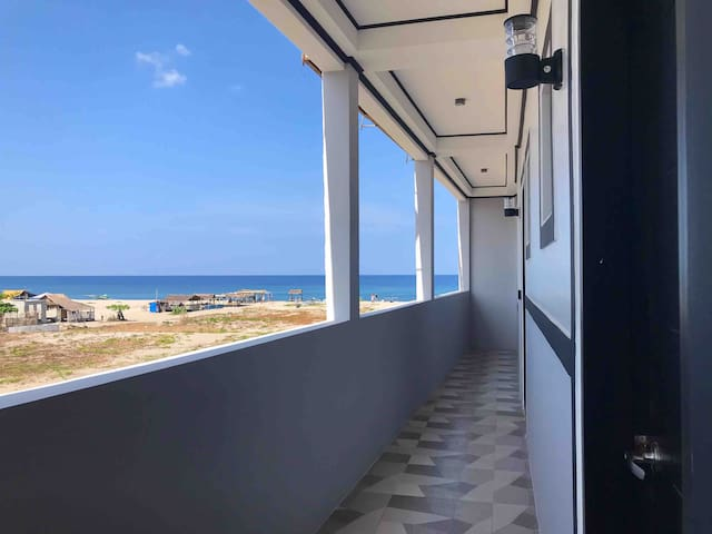 The Palms Resort & Bar (Ocean View Couple Room #7)