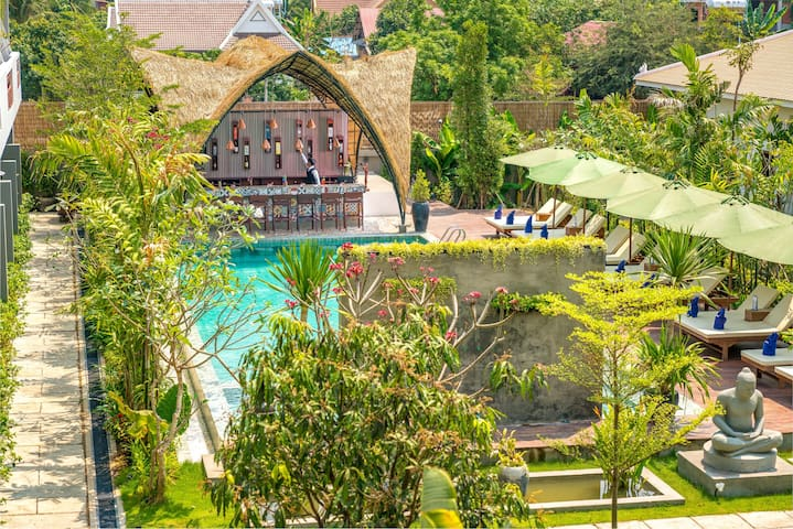 Deluxe Room Pool View with Breakfast for 2