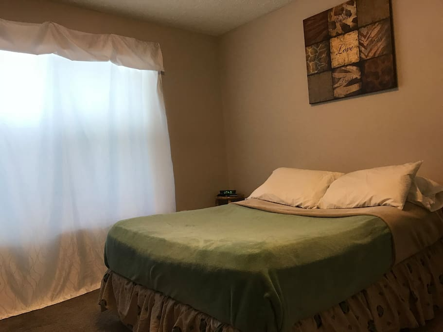 Guest Bedroom (Full Size Bed)