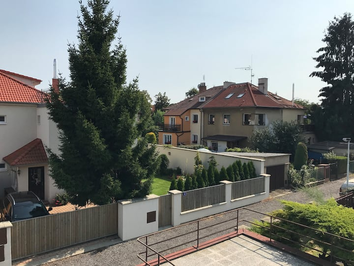 Vila apartment between the Airport and City center