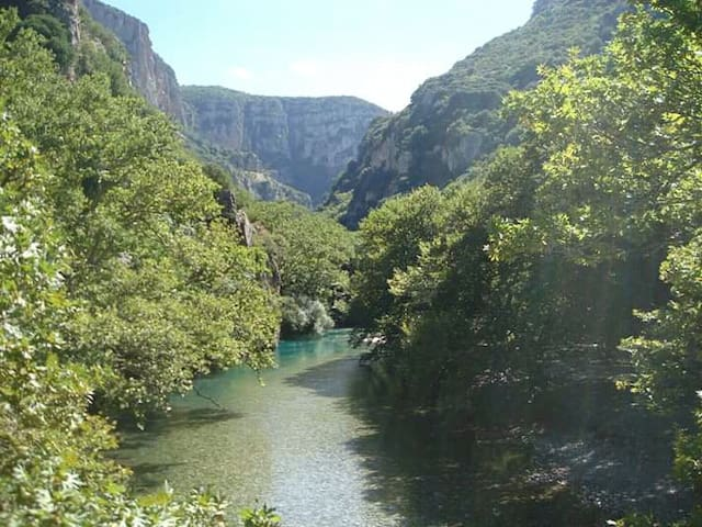 2-bed room. 1 km Vikos Gorge - Klidonia Bridge