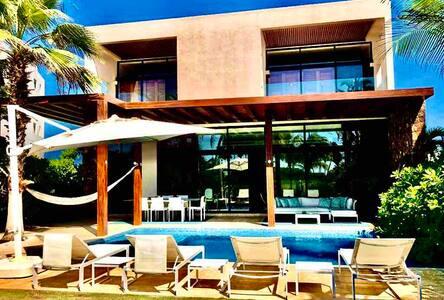Lujosa y acogedora Villa en Tres Vidas Acapulco