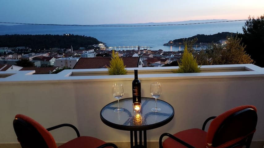 Cosy apartment-stunning seaview and sunset