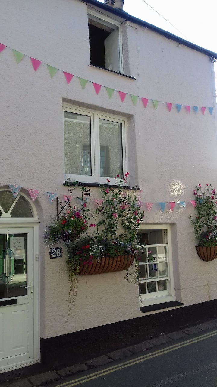 Smugglers Top a fisherman's cottage In Mevagissey
