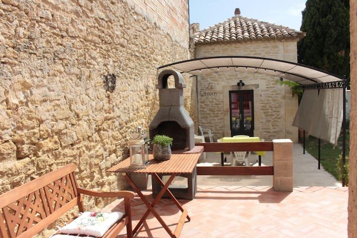 Maison avec jardin, 10 mn d'Avignon