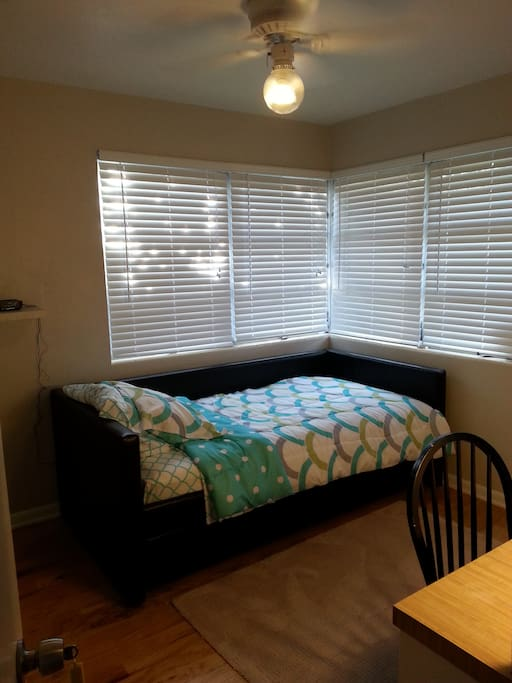 New renovated Room for single or 2.