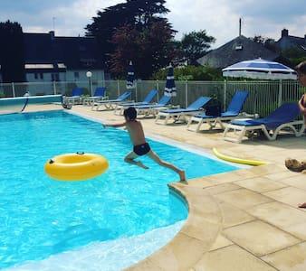 GîteN°8 en bord de mer avec piscine chauffée - Larmor-Baden - Bungalow