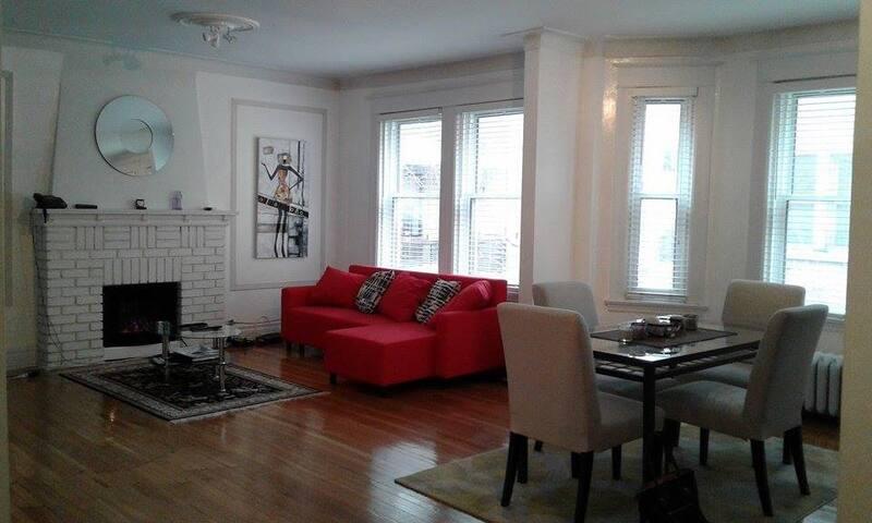 Luxurious 4 1/2 downtown Westmount - Westmount - Apartment
