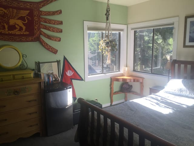 Room in Family home close to river and skiing! - Alpine Meadows - Casa