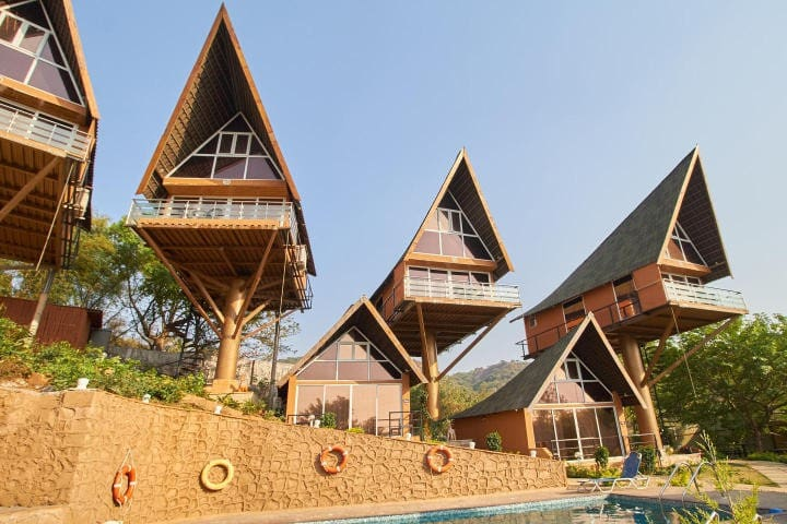 Pool Villa ( with Breakfast) - Maharashtra - วิลล่า