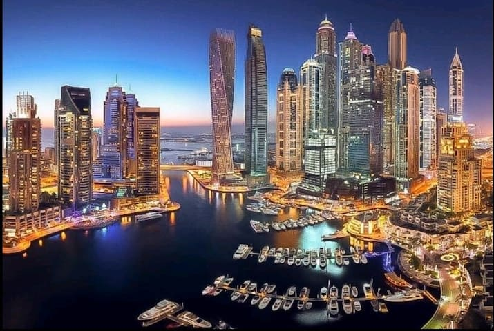 Cozy 2 bedrooms apartment, heart of Dubai Marina !