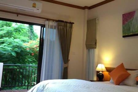 Elegant Standard RoomDoubles - Bed & Breakfast