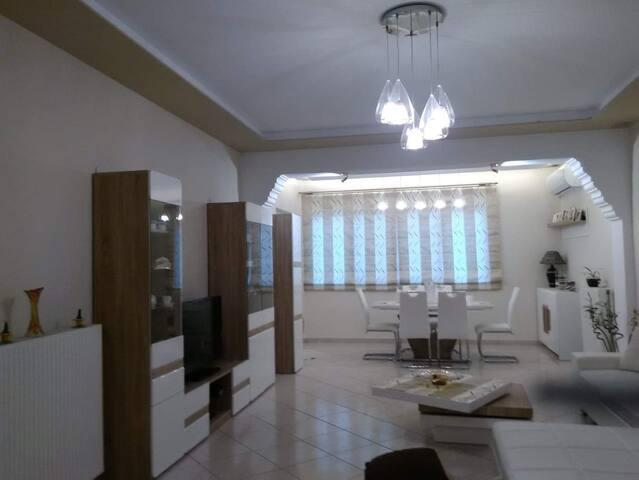 Villa Ploumari