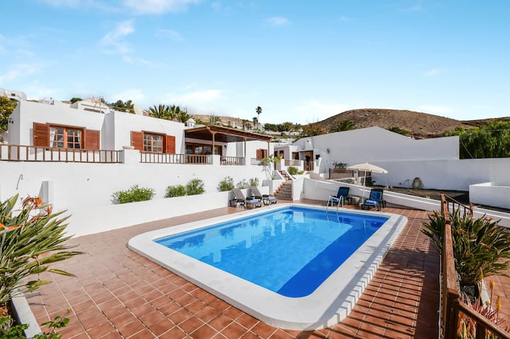 Stunning Villa Casa Concha with Mountain View, Sea View, Wi-Fi, Garden, Terrace & Pool; Parking Available