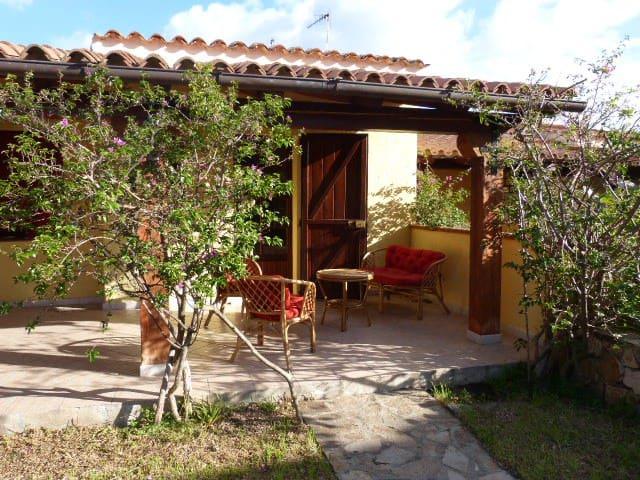 villetta con giardino centro - San Teodoro - Casa