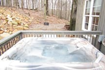 Rocky Ridge Cabin in Berlin with hot tub.