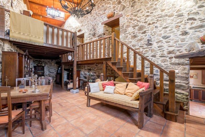 Malerisches Herrenhaus in Ortigueira mit Sauna