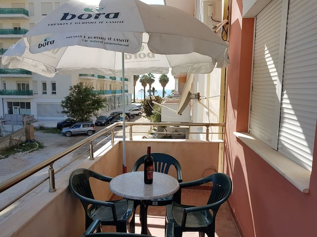 Two bedrooms with kitchen close to the beach - Vlorë - Apartment