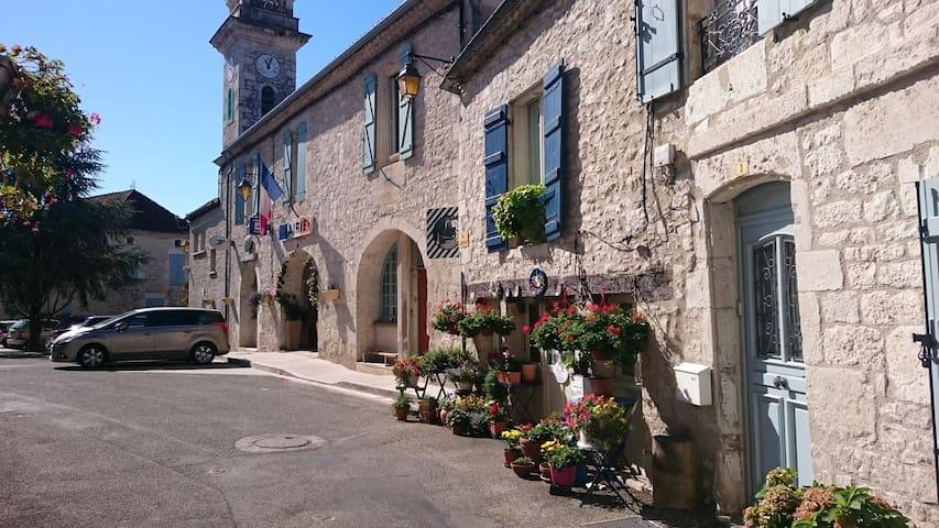 Florissant Chambre d'hôte - Montaigu-de-Quercy