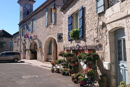 Florissant Chambre d'hôte - Montaigu-de-Quercy - Bed & Breakfast